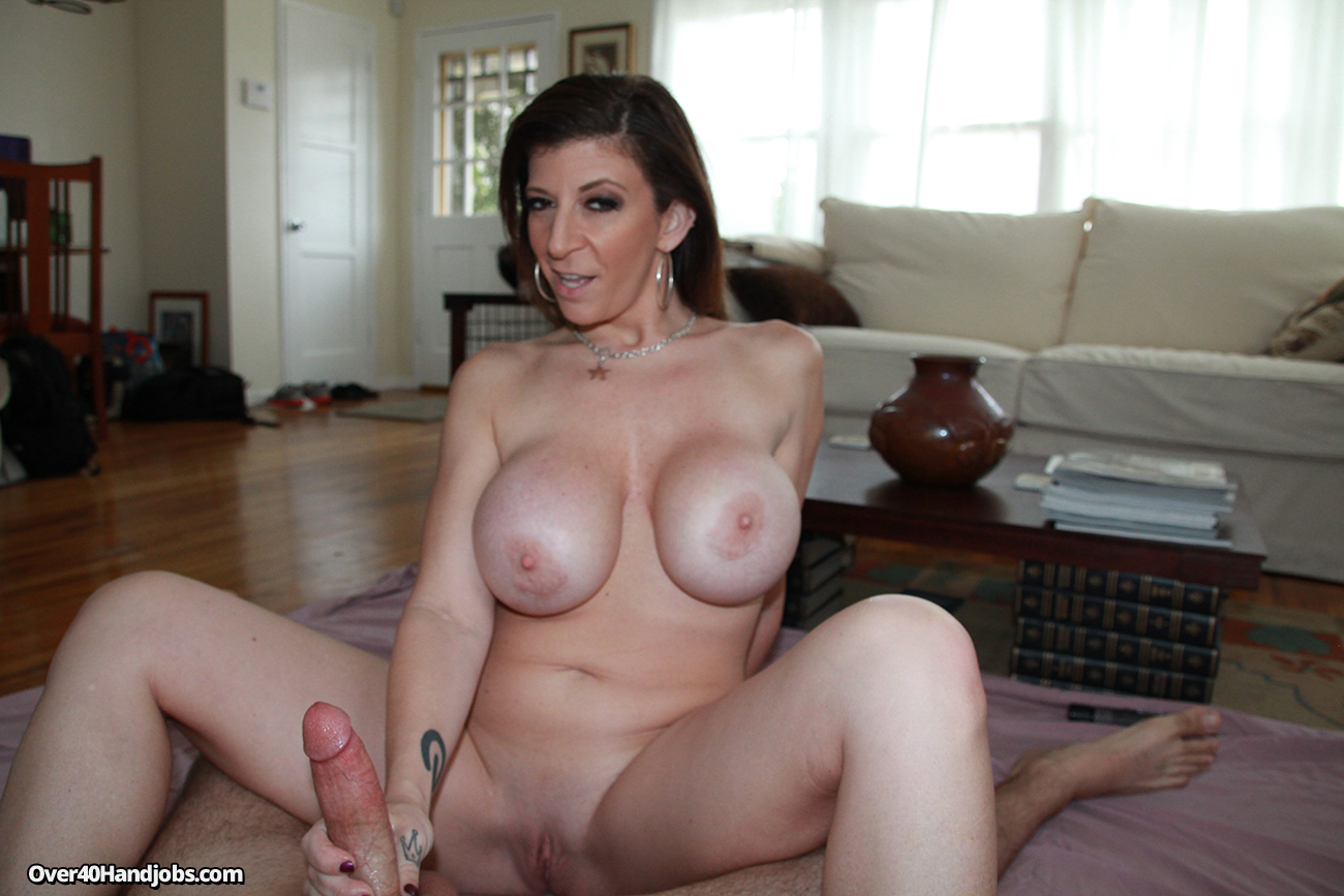 Както винаги!!! busty mature milf gives great handjob images anyone know