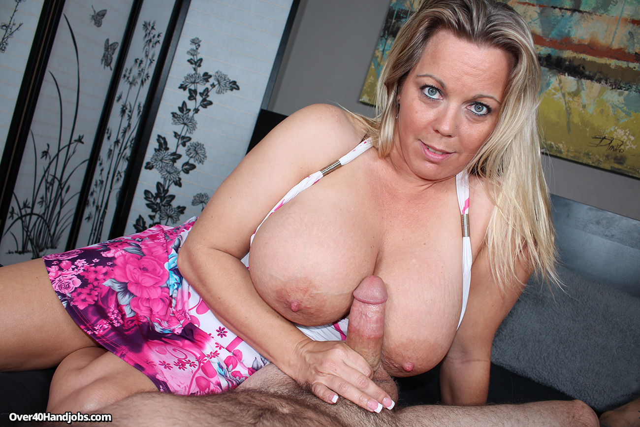 big boobs stepmom handjob tubes
