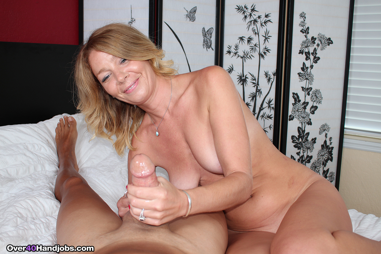 Has one handjob by mature heart blonde