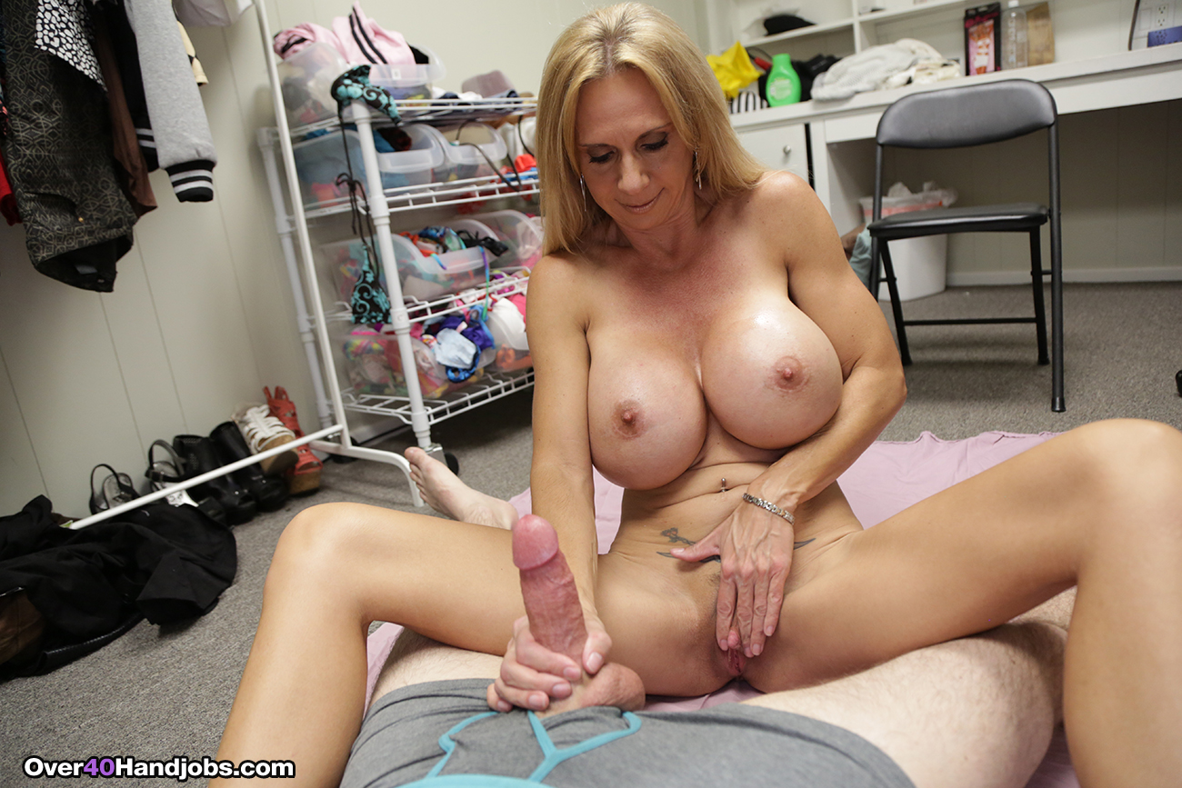 Busty cougar deauxma oils up amp exercises nude on her porch 5
