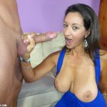 Persia Minor giving a handjob