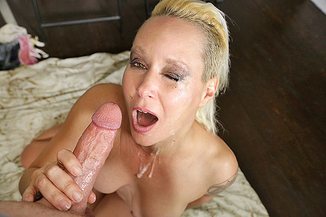 Mom facial porn and handjobs
