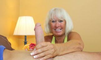 Jennie Lou granny handjob