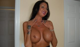 Nadia Night topless