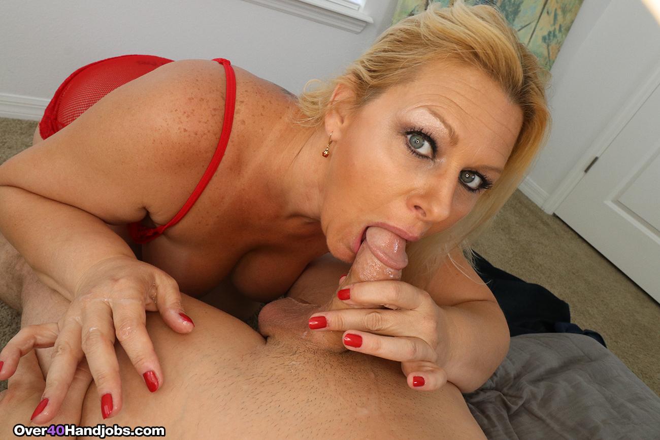 Sexy milf boss stevie lix seduces young employee - 3 7