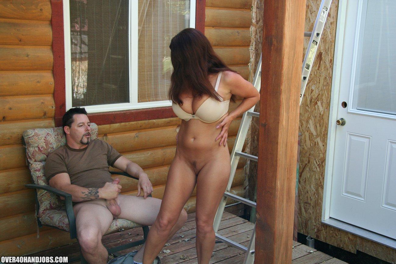 Девушек соседи трахаются на даче жопу силой