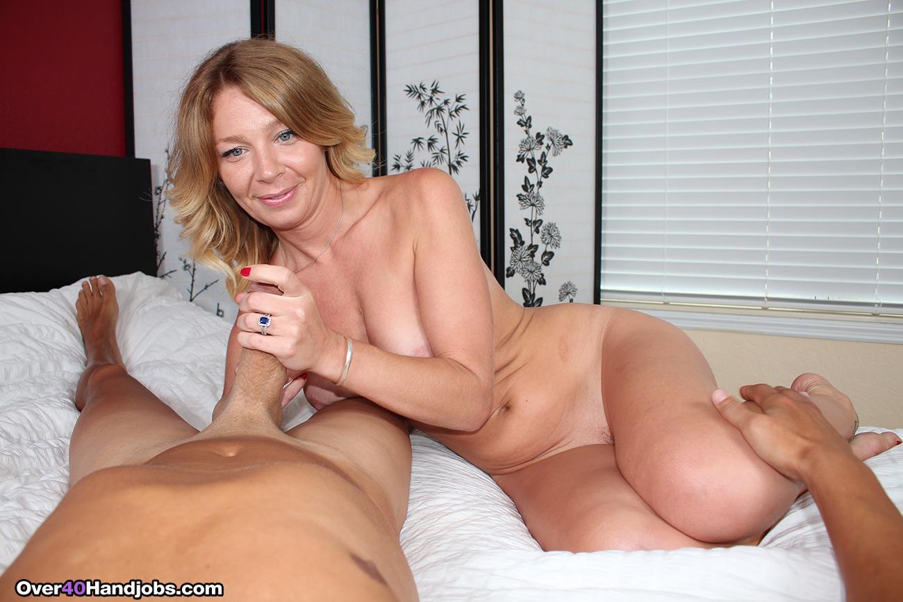 Mrs Summers Like Em Big At Over40Handjobs-2361