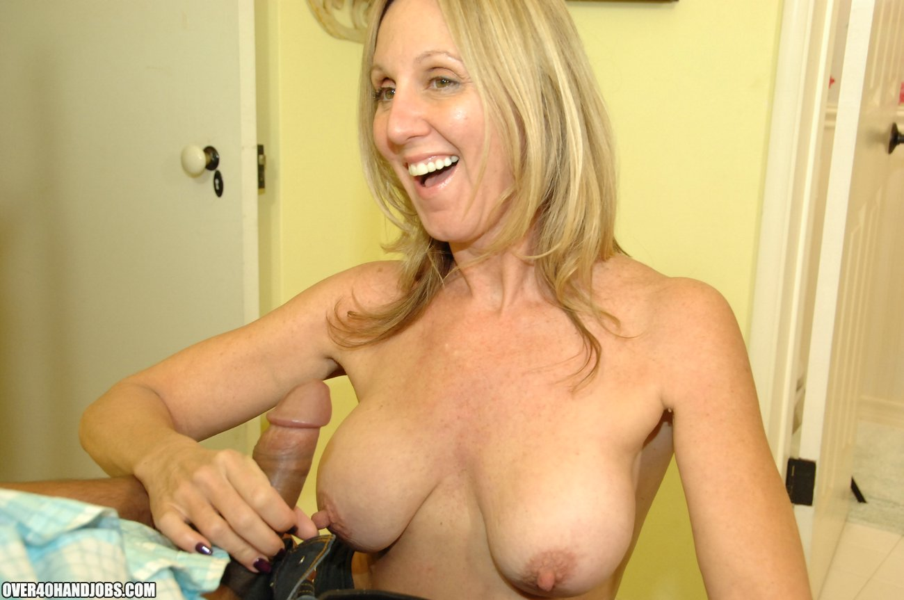 Mom Jenna Covelli Loves To Handjob Her Sons Friends - Over -5573