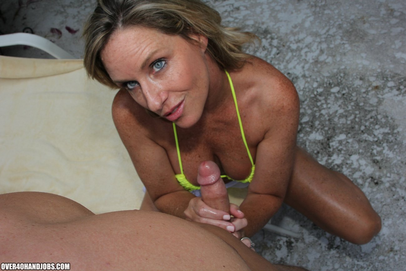 sunscreen handjob with jodi west from over40handjobs