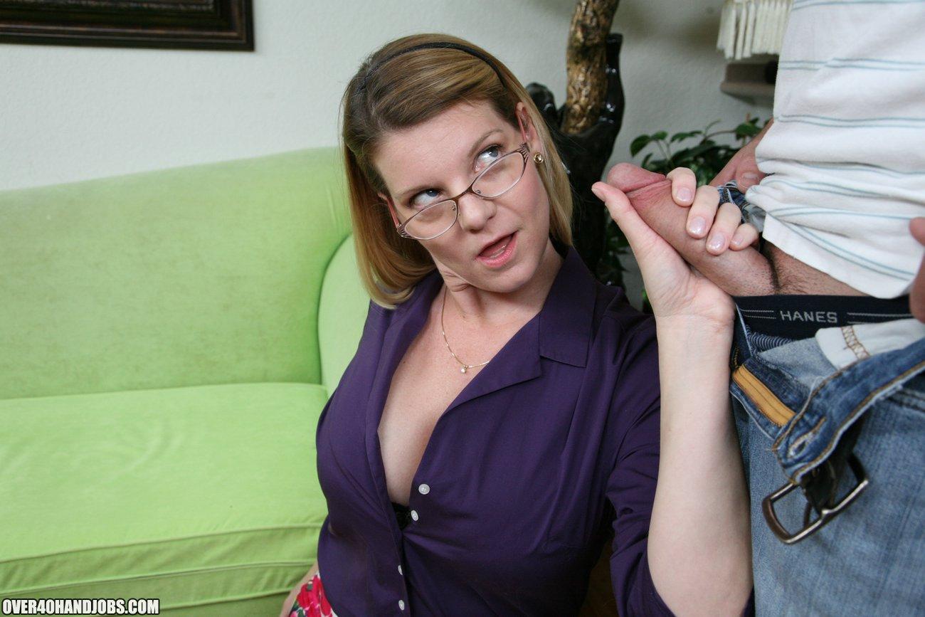 quinn gets a handjob dildo p.