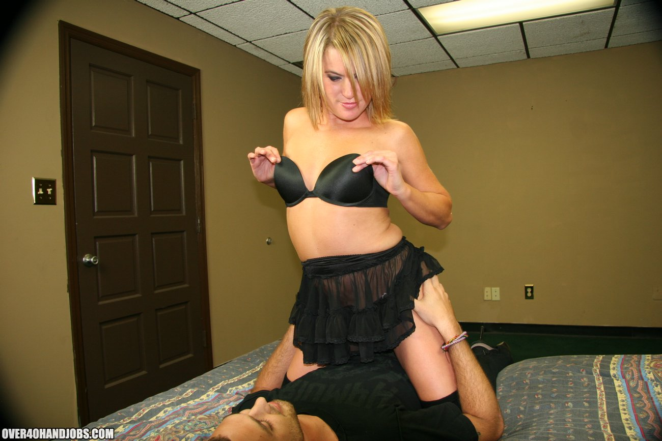 milf kylie stripper handjob from over40handjobs