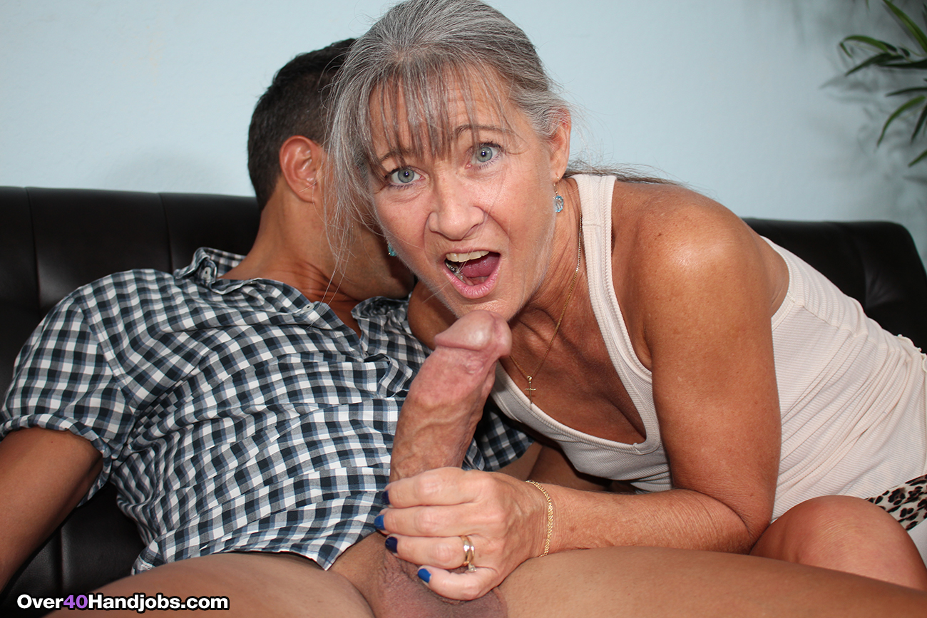 Granny monster dick porno video