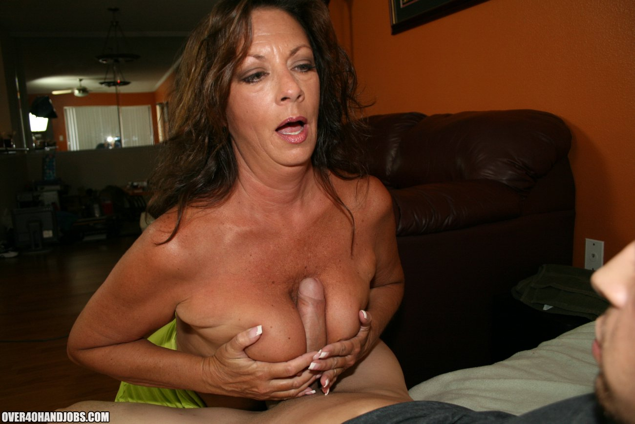 Busty mom blowjob tubes
