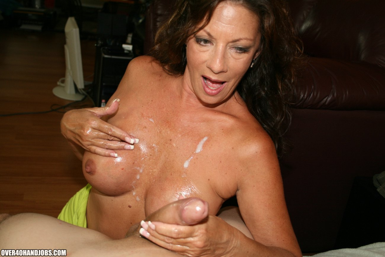Mom Margo Makes Big Cock Explode On Over40Handjobscom-4052