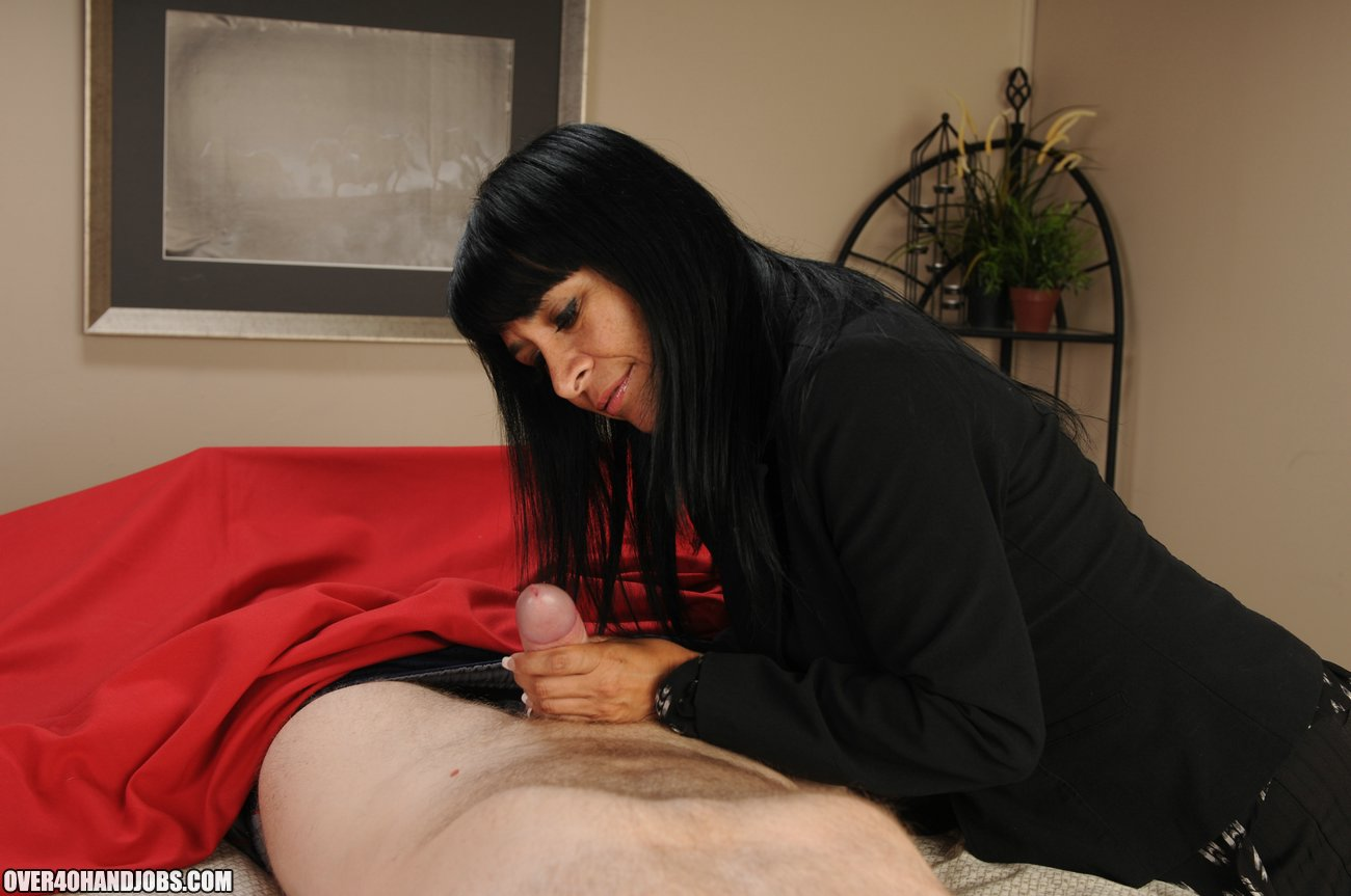 Step Mom Gives A Helping Hand - Over 40 Handjobs Videos-8501