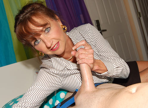 3 Handjob Movies - Horny step mom waking up her step son with a handjob