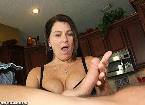 O40 vids 33 Sadie Michaels handjobs a heavy cock.