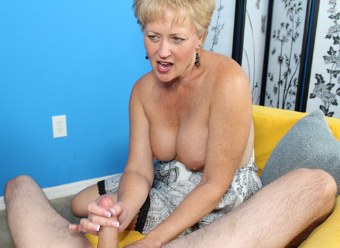 3 Mature Movies - Busty milf gave a handjob on a blind date
