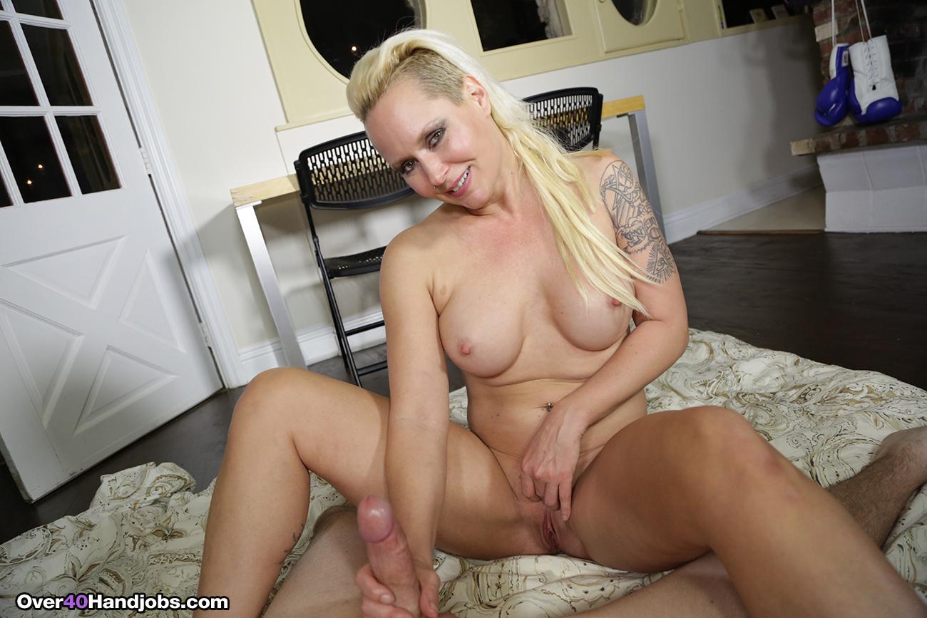 Yarina a nude