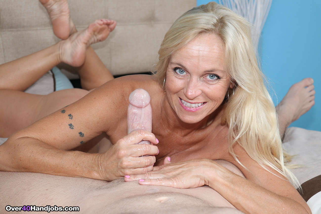 Helping the bosses wife milf soup