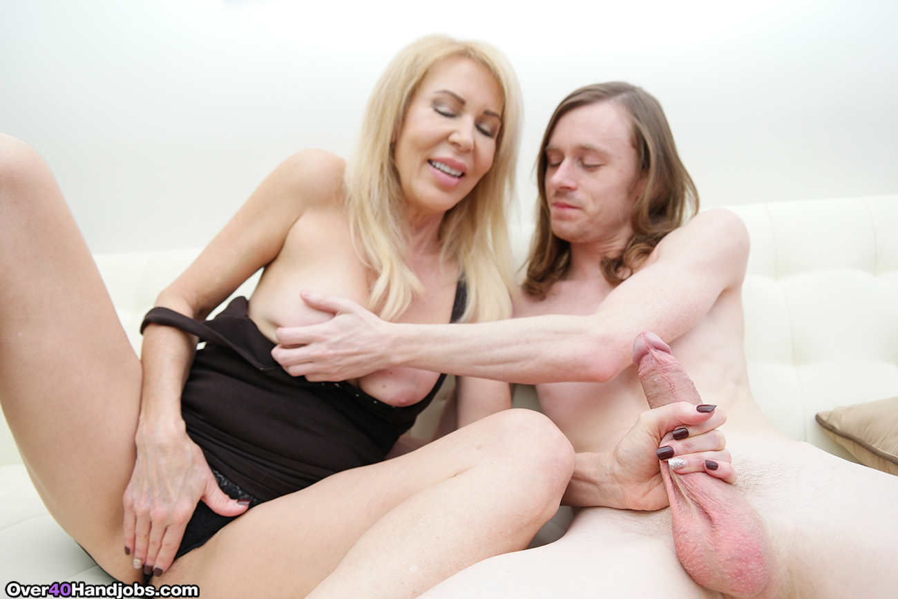 erica lauren yanks her stepson on over40handjobs