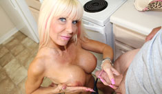 1 Handjob Movies - Hottie busty mom jerking off Bill