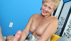 1 Mature Movies - Busty mature Tracy gave a handjob on a blind date