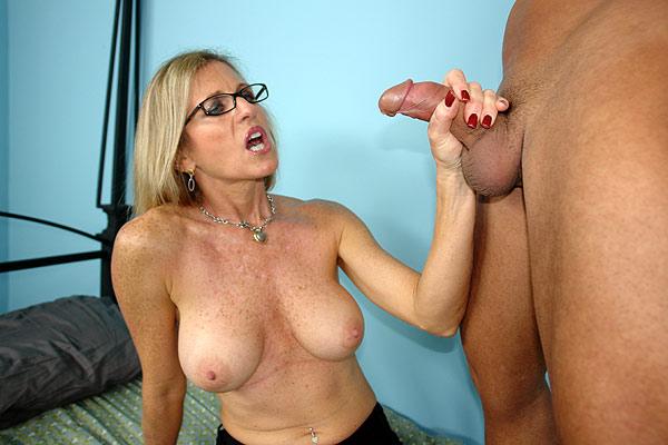 Hand job busy mom